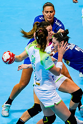 06-12-2019 JAP: Serbia - Slovenia, Kumamoto<br /> last match groep A at 24th IHF Women's Handball World Championship. / Nina Zulic #18 of Slovenia, Dijana Radojevic #21 of Serbia