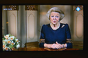 Nederland, Ubbergen, 29-4-2013Koningin Beatrix houdt haar laatste toespraak tot het Nederlandse volk op t.v. Vanaf morgen is zij prinses.Last speech on television of queen Beatrix to the dutch people.Foto: Flip Franssen
