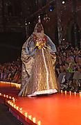 Model Alex Wek .Christian Lacroix haute couture. L'Ecole National des Beaux-Arts. Rue Bonaparte. Paris. 10 July 2001. © Copyright Photograph by Dafydd Jones 66 Stockwell Park Rd. London SW9 0DA Tel 020 7733 0108 www.dafjones.com