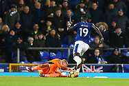 Leicester City Goalkeeper Kasper Schmeichel saves at the feet to deny Oumar Niasse of Everton. Premier league match, Everton v Leicester City at Goodison Park in Liverpool, Merseyside on Wednesday 31st January 2018.<br /> pic by Chris Stading, Andrew Orchard sports photography.