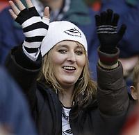 Photo: Aidan Ellis.<br /> Sheffield United v Swansea City. The FA Cup. 06/01/2007.<br /> Swansea fans enjoy the game