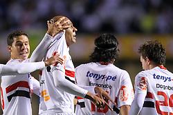 Alex Silva comemora sul gol na partida entre as equipes do São Paulo e Internacional, realizada no Estádio Morumbi, em São Paulo, válido pela semi-final da Copa Libertadores da América 2010. FOTO: Jefferson Bernardes / Preview.com