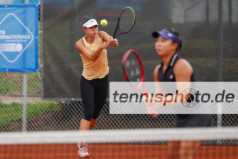 Arianne Hartono (NED), Olivia Tjandramulia (AUS) - WTO Wiesbaden Tennis Open - ITF World Tennis Tour 80K, 26.9.2021, Wiesbaden (T2 Sport Health Club), Deutschland, Photo: Mathias Schulz