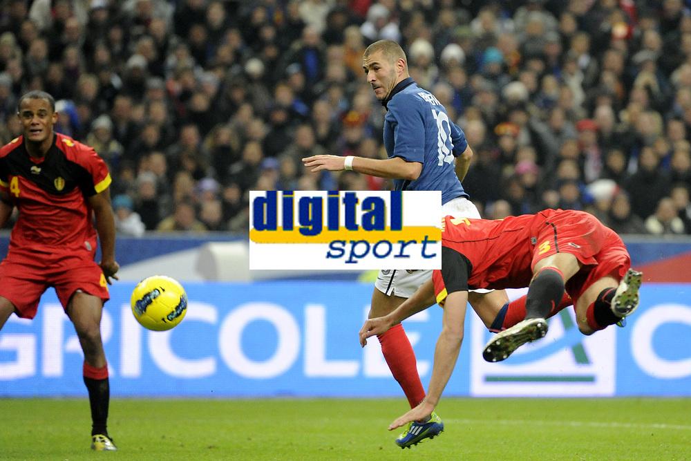 FOOTBALL - INTERNATIONAL FRIENDLY GAMES 2011/2012 - FRANCE v BELGIUM - 15/11/2011 - PHOTO JEAN MARIE HERVIO / DPPI - KARIM BENZEMA (FRA) / DANIEL VAN BUYTEN (BEL)