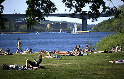 May 27, 2017 - Stockholm, Sweden - Supervärme i Maj. Sol ,bad,glass,  soligt Stockholm Foto : BJOLI : Supervärme i Maj.Sol ,bad,glass,  soligt Stockholm (Credit Image: © Aftonbladet/IBL via ZUMA Wire)