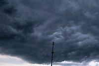 Podlasie, 10.06.2020. Silne burze przeszly poznym popoludniem w okolicach Tykocina i Bialegostoku. N/z chmury burzowe fot Michal Kosc / AGENCJA WSCHOD