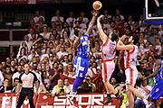 DESCRIZIONE : Campionato 2014/15 Serie A Beko Grissin Bon Reggio Emilia - Dinamo Banco di Sardegna Sassari Finale Playoff Gara7 Scudetto<br /> GIOCATORE : Sanders Rakim<br /> CATEGORIA : controcampo rimbalzo sequenza<br /> SQUADRA : Banco di Sardegna Sassari<br /> EVENTO : Campionato Lega A 2014-2015<br /> GARA : Grissin Bon Reggio Emilia - Dinamo Banco di Sardegna Sassari Finale Playoff Gara7 Scudetto<br /> DATA : 26/06/2015<br /> SPORT : Pallacanestro<br /> AUTORE : Agenzia Ciamillo-Castoria/GiulioCiamillo<br /> GALLERIA : Lega Basket A 2014-2015<br /> FOTONOTIZIA : Grissin Bon Reggio Emilia - Dinamo Banco di Sardegna Sassari Finale Playoff Gara7 Scudetto<br /> PREDEFINITA :