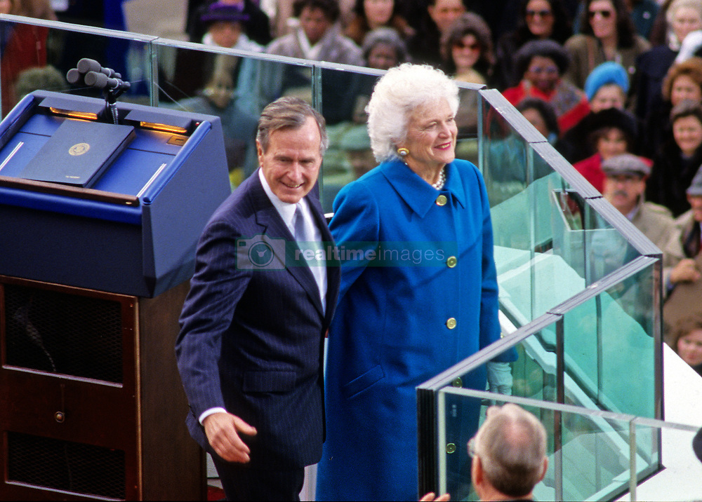 United States President George H.W. Bush and first lady Barbara Bush after he was sworn-in as 41st President of the United States by Chief Justice William Rehnquist at the US Capitol on January 20, 1989. Photo by Ron Sachs / CNP /ABACAPRESS.COM