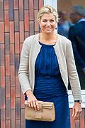 Koningin Maxima tijdens een werkbezoek aan Bouwgroep Dijkstra Draisma in Dokkum. De bouwgroep is winnaar van de Koning Willem I Prijs 2018 in de categorie MKB.<br /> <br /> Queen Maxima during a working visit to Bouwgroep Dijkstra Draisma in Dokkum. The construction group is the winner of the King Willem I Prize 2018 in the SME category.