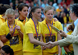 20-05-2007 HOCKEY : FINALE PLAY OFF: DEN BOSCH - AMSTERDAM: DEN BOSCH <br /> Den Bosch voor de tiende keer op rij kampioen van de Rabo Hoofdklasse Dames. In de beslissende finale versloegen zij Amsterdam met 2-0 / Mijntje Donners speelde haar laatste wedstrijd<br /> ©2007-WWW.FOTOHOOGENDOORN.NL