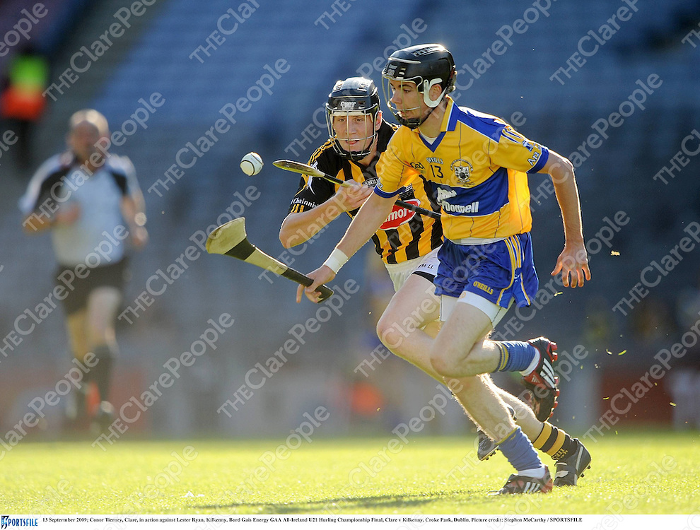 13 Septermber 2009; Conor Tierney, Clare, in action against Lester Ryan, Kilkenny. Bord Gais Energy GAA All-Ireland U21 Hurling Championship Final, Clare v Kilkenny, Croke Park, Dublin. Picture credit: Stephen McCarthy / SPORTSFILE