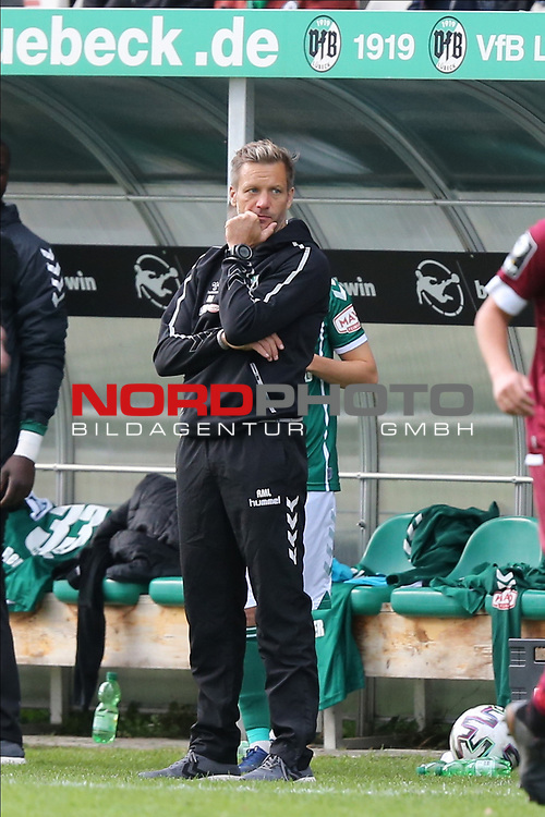 17.10.2020, Dietmar-Scholze-Stadion an der Lohmuehle, Luebeck, GER, 3. Liga, VfB Luebeck vs SG Dynamo Dresden <br /> <br /> im Bild / picture shows <br /> Trainer Rolf Martin Landerl (VfB Luebeck) ist nachdenklich<br /> <br /> DFB REGULATIONS PROHIBIT ANY USE OF PHOTOGRAPHS AS IMAGE SEQUENCES AND/OR QUASI-VIDEO.<br /> <br /> Foto © nordphoto / Tauchnitz