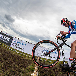 20190201: UCI CX Worlds : Dübendorf: Thomas Kopecki jumping the planks