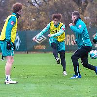 16.11.2020, Trainingsgelaende am wohninvest WESERSTADION - Platz 12, Bremen, GER, 1.FBL, Werder Bremen Training<br /> <br /> Yuya Osako (Werder Bremen #08)<br />  ,Ball am Fuss, Niklas Moisander (Werder Bremen #18 Kapitaen)<br /> Ilia Gruev (Werder Bremen #28)<br /> <br /> <br /> <br /> <br /> Foto © nordphoto / Kokenge *** Local Caption ***