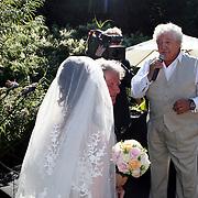 NLD/Laren/20070829 - Huwelijk Willibrord Frequin en Susanne Rastin, worden toegezngen door Hans Boskamp