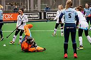 LAREN -  Hockey Hoofdklasse Dames: Laren v Pinoké, seizoen 2020-2021. Foto: Karlijn Adank (Laren, keeper) gepasseerd maar er was al gefloten