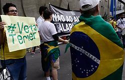 November 11, 2018 - SãO Paulo, Brazil - SÃO PAULO, SP - 11.11.2018: ATO CONTRA O AUMENTO SALARIAL DO STF - The Right Movement São Paulo, makes an Act Against the Salary Increase of STF #VetaTemer, this morning (11), on Avenida Paulista. (Credit Image: © Aloisio Mauricio/Fotoarena via ZUMA Press)