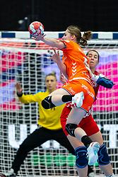 Laura Van Der Heijden of Netherlands, Camila Micijevic of Croatia during the Women's EHF Euro 2020 match between Croatia and Netherlands at Sydbank Arena on december 06, 2020 in Kolding, Denmark (Photo by RHF Agency/Ronald Hoogendoorn)