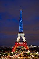 France, Paris, Tour Eiffel au couleurs de la France en hommage aux victimes des attentats du 13 novembre // France, Paris, Eiffel tower in French color in tribute to the victimes of November 13 attack