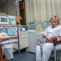 Nederland, Haarlem Zuid, 2 juni 2017.<br /> Nachtdienst bij de spoedeisende hulp van het SpaarneGasthuis op locatie Haarlem Zuid.<br /> <br /> The Netherlands, Haarlem South, June 2, 2017.<br /> Night shift at the SpaarneGasthuis hospital emergency room location Haarlem South. <br /> <br /> Foto: Jean-Pierre Jans