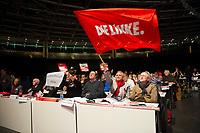 DEU, Deutschland, Germany, Berlin, 10.05.2014: Ältere Delegierte beim Bundesparteitag der Partei DIE LINKE im Velodrom.