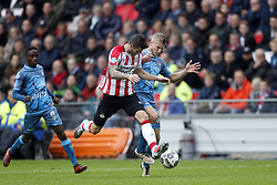 (L-R), Jamiro Monteiro Alvarenga of Heracles Almelo, Gaston Pereiro of PSV, Wout Droste of Heracles Almelo during the Dutch Eredivisie match between PSV Eindhoven and Heracles Almelo at the Phillips stadium on October 22, 2017 in Eindhoven, The Netherlands