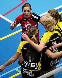 27-10-2012 VOLLEYBAL: SV DYNAMO - PRISMAWORX STRAVOC: APELDOORN<br /> Eerste divisie B vrouwen / Lieke Schreurs<br /> ©2012-FotoHoogendoorn.nl