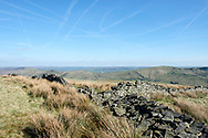 The corner of walls as you descend the broad south ridge of Grindslow Knoll