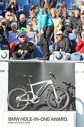 23.06.2015, Golfclub München Eichenried, Muenchen, GER, BMW International Golf Open, Show Event, im Bild Henrik Stenson (SWE) schlaegt beim Show Event von der Tribuene ab // during the Show Event of BMW International Golf Open at the Golfclub München Eichenried in Muenchen, Germany on 2015/06/23. EXPA Pictures © 2015, PhotoCredit: EXPA/ Eibner-Pressefoto/ Kolbert<br /> <br /> *****ATTENTION - OUT of GER*****