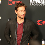 Peter Facinelli is seen on the red carpet prior to the Mayweather versus Maidana boxing match at the MGM Grand hotel on Saturday, May 3, 2014 in Las Vegas, Nevada.  (AP Photo/Alex Menendez)