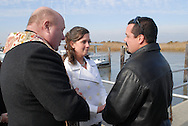 12/7/09 - 11:25:43 AM - FORTESCUE, NJ: Diana & Ken - December 7, 2009 - Fortescue, New Jersey. (Photo by William Thomas Cain/cainimages.com)