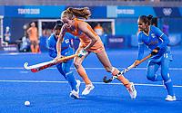 TOKIO - Felice Albers (NED) met Nisha (IND)  en Deep Grace Ekka (IND) tijdens de wedstrijd dames , Nederland-India (5-1) tijdens de Olympische Spelen   .   COPYRIGHT KOEN SUYK
