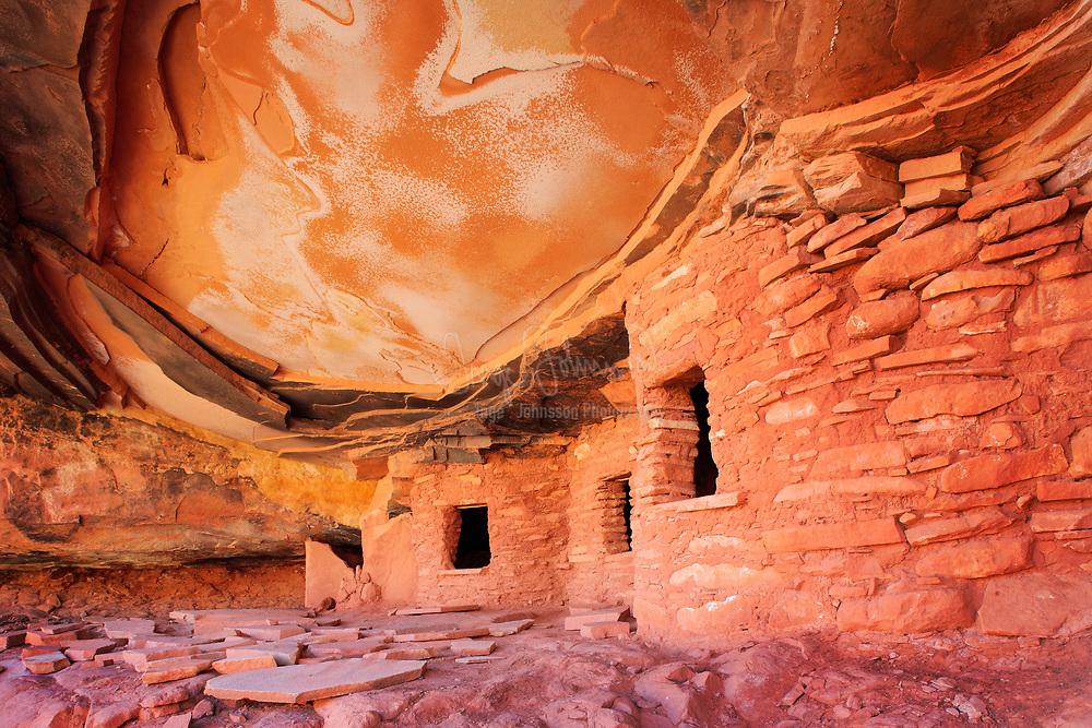 Anasazi ruins in Road Canyon, UT