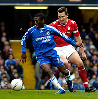 Photo: Ed Godden/Sportsbeat Images.<br /> Chelsea v Nottingham Forest. The FA Cup. 28/01/2007.<br /> Chelsea's Shaun Wright-Phillips (L), holds off Ian Breckin.