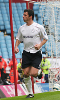 Fotball<br /> England 2004/2005<br /> Foto: SBI/Digitalsport<br /> NORWAY ONLY<br /> <br /> ASTON VILLA V BOLTON WANDERERS<br /> 23/04/2005<br /> Villa Park<br /> <br /> GARY SPEED CELEBRATES EQUALIZER