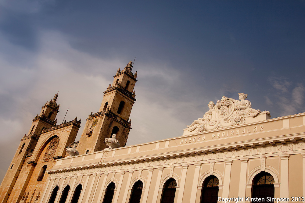 Catedral de San Ildefonso and Museo de Arte Contemporaneo in Merida
