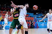 DESCRIZIONE : Lille Eurobasket 2015 Quarti di Finale Quarter Finals Lituania Italia Lithuania Italy<br /> GIOCATORE : Andrea Bargnani Jonas Valanciunas<br /> CATEGORIA : tagliafuori rimbalzo fallo<br /> SQUADRA : Italia Italy Lituania LIthuania<br /> EVENTO : Eurobasket 2015 <br /> GARA : Lituania Italia Lithuania Italy<br /> DATA : 16/09/2015 <br /> SPORT : Pallacanestro <br /> AUTORE : Agenzia Ciamillo-Castoria/Max.Ceretti<br /> Galleria : Eurobasket 2015 <br /> Fotonotizia : Lille Eurobasket 2015 Quarti di Finale Quarter Finals Lituania Italia Lithuania Italy