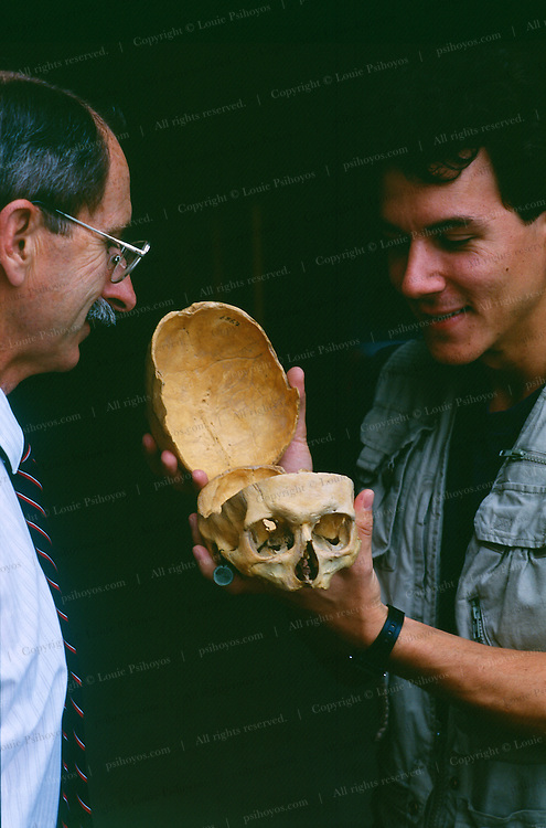 Paleontologists Dale Russell of Ottawa and Paul Sereno of the U. of Chicago are introduced to the legendary Professor Cope.  Paul found an anatomical clue to the source of the late professor's headaches, an abscessed tooth.