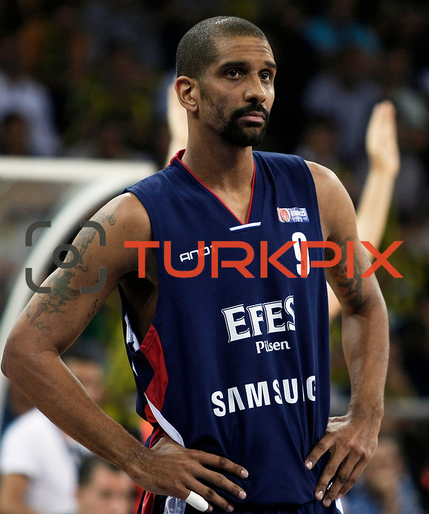 Efes Pilsen's Preston SHUMPERT during their Turkish Basketball league Play Off Final third leg match Fenerbahce Ulker between Efes Pilsen at the Abdi Ipekci Arena in Istanbul Turkey on Tuesday 25 May 2010. Photo by Aykut AKICI/TURKPIX