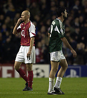 Fotball<br /> Champions League 2004/05<br /> Arsenal v Panathinaikos<br /> 2. november 2004<br /> Foto: Digitalsport<br /> NORWAY ONLY<br /> Arsenal's Pascal Cygan leaves the field after scoring an own goal against Panathinaikos