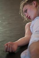 l'être et jouant, jan steen - 2013