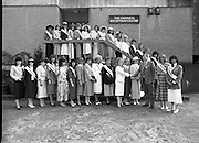 Roses of Tralee at Guinness Brewery..1986.20.08.1986..08.20.1986..20th August 1986..As part of the 50th running of the Rose Of Tralee Festival the thirty Rose contestants were invited to The Guinness Brewery,St James's Gate,Dublin. At the reception in their honour, Mr Pat Healy,Sales Director,Guinness Group Sales,welcomed the roses at the Guinness Reception Centre..Extra: Ms Noreen Cassidy,representing Leeds,went on to win the title of 'Rose Of Tralee'...Image of the 30 rose of Tralee contestants as they pose for pictures at the Guinness Reception Centre,St James's Gate,Dublin with Mr Brian Brown,Guinness Group Sales. By the sashes we can see that the girls travelled from far and wide to enter the competition.