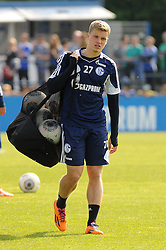 24.04.2014, Veltins Arena, Gelsenkirchen, GER, 1. FBL, Training Schalke 04, im Bild Philipp Max ( Schalke 04 ) traegt das Ballnetz. // during a Trainingsession of German Bundesliga Club Schalke 04 at the Veltins Arena in Gelsenkirchen, Germany on 2014/04/24. EXPA Pictures © 2014, PhotoCredit: EXPA/ Eibner-Pressefoto/ Thienel<br /> <br /> *****ATTENTION - OUT of GER*****