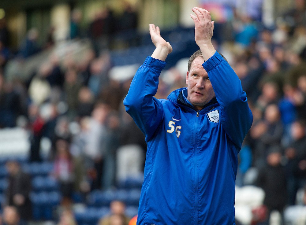 Preston North End's Manager Simon Grayson applauds the crowd after the final whistle<br /> <br /> Photo by Stephen White/CameraSport<br /> <br /> Football - The Football League Sky Bet League One - Preston North End v Walsall - Saturday 1st March 2014 - Deepdale - Preston<br /> <br /> © CameraSport - 43 Linden Ave. Countesthorpe. Leicester. England. LE8 5PG - Tel: +44 (0) 116 277 4147 - admin@camerasport.com - www.camerasport.com