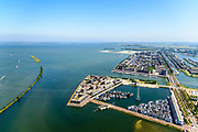Nederland, Noord-Holland, Amsterdam, 29-06-2018; IJburg, woonwijk aangelegd op kunstmatige - aangeplemte - eilanden. Steigereiland met Haveneiland in de achtergrond. IJburglaan. Buiten-IJ en IJmeer.<br /> IJburg, residential area built on artificial islands.<br /> luchtfoto (toeslag op standard tarieven);<br /> aerial photo (additional fee required);<br /> copyright foto/photo Siebe Swart