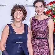 NLD/Amsterdam/20150908 - Inloop Gala 2015 - Nationaal Ballet, Anna Drijver en haar moeder Mieke Bosse