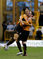 Fotball<br /> England 2004/2005<br /> Foto: SBI/Digitalsport<br /> NORWAY ONLY<br /> <br /> 01/01/2005<br /> <br /> Wolverhampton Wanderers v Plymouth Argyle<br /> <br /> Seol Ki-Hyeon (L) celebrates giving Wolves a first half 1-0 lead with Keith Andrews