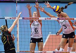 04-01-2016 TUR: European Olympic Qualification Tournament Nederland - Duitsland, Ankara <br /> De Nederlandse volleybalvrouwen hebben de eerste wedstrijd van het olympisch kwalificatietoernooi in Ankara niet kunnen winnen. Duitsland was met 3-2 te sterk (28-26, 22-25, 22-25, 25-20, 11-15) / Heike Beier #12 of Germany, Maret Balkestein-Grothues #6, Yvon Belien #3