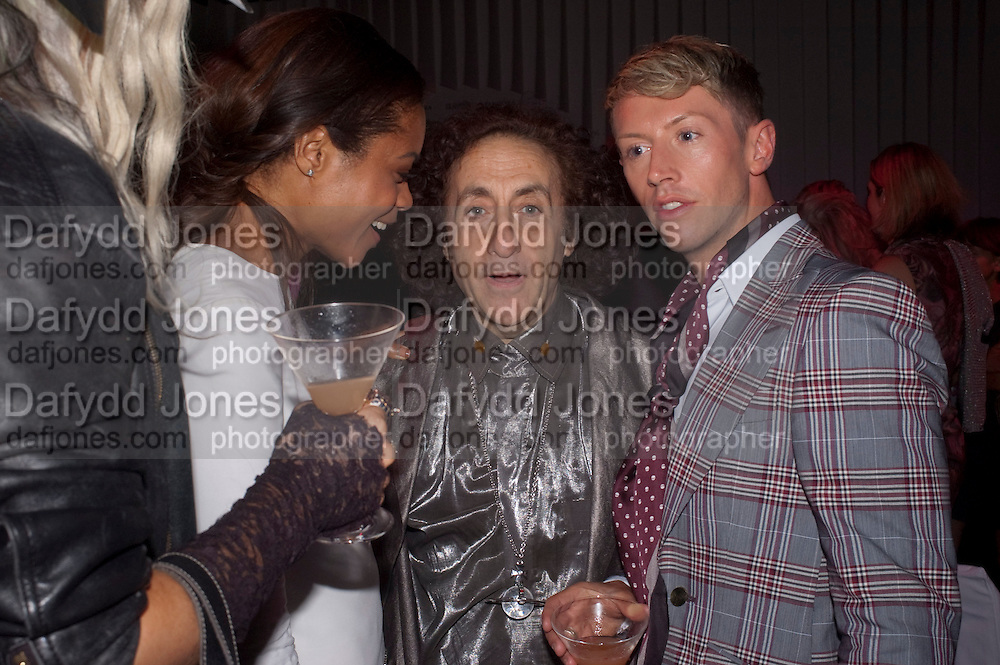 NAOMI HARRIS; PHILIP SALLON; STEVE VYSE, Glamour Women of the Year Awards 2011. Berkeley Sq. London. 9 June 2011.<br /> <br />  , -DO NOT ARCHIVE-© Copyright Photograph by Dafydd Jones. 248 Clapham Rd. London SW9 0PZ. Tel 0207 820 0771. www.dafjones.com.