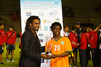 FOOTBALL - UNDER 20 - INTERNATIONAL TOULON FESTIVAL 2010 - FINAL - IVORY COAST v DENMARK - 27/05/2010 - PHOTO PHILIPPE LAURENSON / DPPI - CHRISTIAN KAREMBEU WITH TROPHY OF BEST PLAYER AT SERGE DEBLE (COT)
